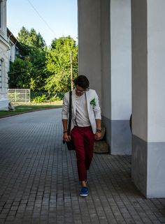 The attitude is a business card. The first time you see a man you notice his attitude: outspoken, sociable, pleasant or the contrary.Therefore a dandy especially focus on attitude.Being a gentleman… Dandy, Gentleman, Attitude, Posts, Blazer, Blog, Jackets, Men, Fashion