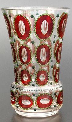 PAUL EISELT (1887–1961) VÁZA. Čechy, Kamenický Šenov, Conrath & Liebsch, 1917 Bohemia Glass, Czech Glass, Artist At Work, Flower Arrangements, Glass Art, Candle Holders, Art Deco, Candles, Crystals