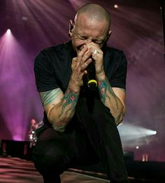 CHESTER CHARLES BENNINGTON, doing what he does best! All of his fans out there, will MISS this IMMENSELY!
