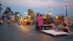 Saen Suk, - night market to open by rogerml, via Flickr