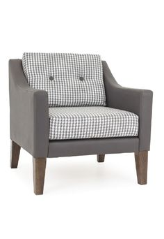 Fine upholstered bentwood furniture for when occasion demands. Outdoor Sofa, Outdoor Furniture, Outdoor Decor, Restaurant Furniture, Club Chairs, Classic Style, Sofas, Love Seat, Ottoman