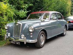 Vintage Cars, Antique Cars, Austin Cars, Classic Cars British, Classic Motors, Car Vehicle, Amazing Cars, Rolls Royce, Old Cars