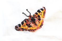Broderad fjäril | Reaktionista Trauma, Crochet Earrings, Butterfly, Embroidery, Animals, Inspiration, Biblical Inspiration, Needlepoint, Animaux