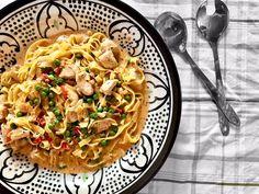 One pot pasta med kyckling One Pot, Spaghetti, Ethnic Recipes, Food, Stew, Essen, Meals, Yemek, Noodle