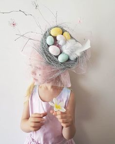 How to make a Pretty Birds Nest Easter Parade Hat, full Picture Tutorial - Hats - Bird Supplies Crazy Hat Day, Crazy Hats, Easter Bonnets For Boys, Easter Hat Parade, Silly Hats, Spring Hats, Diy Ostern, Pretty Birds, Diy For Girls