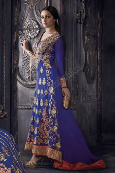 Bleu Georgette Ensemble Churidar Avec Bleu Shantoon Dupatta Conception No. DMV13063 Prix- 107,23  Type de robe: Ensemble Pantalons Tissu: Georgette Couleur: Bleu Décoration: brodé, Resham, pierre, Zari Pour plus de détails: - http://www.andaazfashion.fr/blue-georgette-churidar-suit-with-blue-shantoon-dupatta-dmv13063-1.html