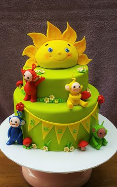 I loved making this sweet custom designed Teletubbies cake for baby S's first birthday. When R first contacted me, I had just about heard of Teletubbies– never made a cake in that theme… Teletubbies Birthday Cake, Teletubbies Cake, Cupcakes, Cupcake Cakes, 1st Birthday Cakes, Character Cakes, Disney Cakes, Novelty Cakes, Cake Flavors