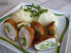 Sajttal-brokkolival töltött csirkemell Meat Recipes, Chicken Recipes, Hungarian Recipes, Baked Potato, Mashed Potatoes, Sushi, Bacon, Turkey, Food And Drink