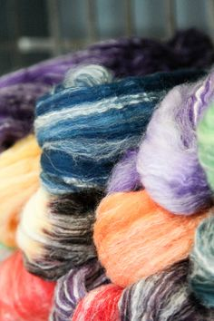 Each Lucky Baaahboo Lamb's Tail from Frabjous Fibers features a one-of-a-kind color combination. You'll love spinning or felting with this blend of superwash merino, bamboo and nylon!