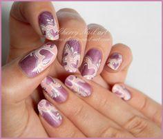 nail art saint valentin dentelle et coeur