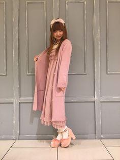 Axes femme Japanese Streets, Japanese Street Fashion, Kawaii Fashion, Cute Fashion, Larme Kei, Kawaii Style, Dresses With Sleeves, Street Style, Long Sleeve