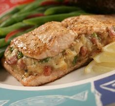 Red Lobster Restaurant Copycat Recipes: Baked Stuffed Salmon