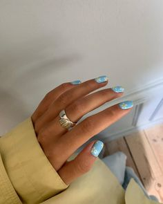 Semi-permanent varnish, false nails, patches: which manicure to choose? - My Nails Soft Pink Nails, Light Blue Nails, Pastel Nails, Cute Acrylic Nails, Edgy Nails, Funky Nails, Trendy Nails, Grunge Nails, Coffin Nails