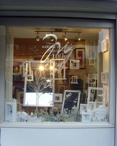 1000 images about store display ideas on pinterest for Boutique window display ideas