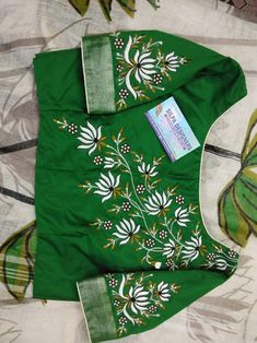 Netted Blouse Designs, Cutwork Blouse Designs, Kids Blouse Designs, Hand Work Blouse Design, Simple Blouse Designs, Stylish Blouse Design, Embroidery Suits Design, Embroidery Designs, Fabric Paint Designs