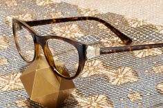 Crystal Blaze glasses by Vogue Eyewear offer a new angle on sophistication. Everyday Glasses, Warm Weather, Cat Eye Sunglasses, Eyewear, Fashion Accessories, Vogue, Crystals, Celebrities, Inspiration