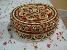 beautiful dibba decorations Kalash Decoration, Thali Decoration Ideas, Diy Diwali Decorations, Indian Wedding Decorations, Diy Arts And Crafts, Hobbies And Crafts, Acrylic Rangoli, Housewarming Decorations, Symbolic Art