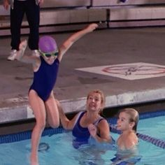 Loved this episode! Who remembers this one? #7thheaven #season1 #thecamdens #annie #eric #simon #ruthie #swimming #lessons #catherinehicks #stephencollins #davidgallagher #mackenzierosman #memories #bestshowever #longlive #7thheaven