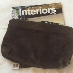 0️⃣ Avante  Brown Suede Clutch Boho Chic Brown Suede Clutch. In great condition. Thank you.  0️⃣ Sale. Final Markdown. No Further Discount Taken. Vintage Bags Clutches & Wristlets