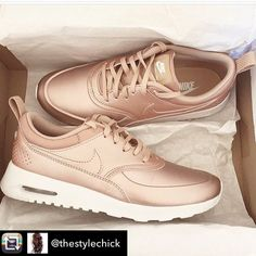For all you rose gold lovers #nike #sneakers #rosegold <3