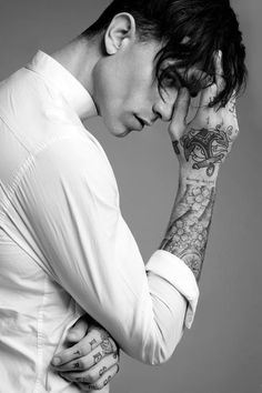17 Trendy Tattoo For Guys Men Male Models- You can examine all tattoo models and print them out. Male Models Tattoo, Male Models Poses, Male Poses, Men Models, Cute Male Models, Tattoo Photography, Photography Poses For Men, Portrait Photography, Männermodels Tattoo