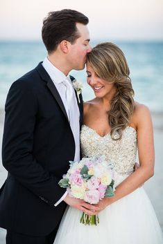 This Gorgeous Florida Wedding from Ricky Stern Photography Has So Many Details To Swoon Over! To see more: http://www.modwedding.com/2014/09/19/gorgeous-florida-wedding-ricky-stern-photography-many-details-swoon/ #wedding #weddings #wedding_dress #hairstyle