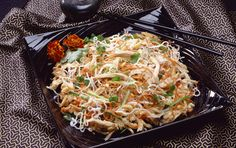Dining Tip: Szechuan Chicken Salad Szechuan Chicken, Asian Recipes, Healthy Recipes, Ethnic Recipes, Key Food, Peanut Chicken, Chicken Salad Recipes, How To Cook Quinoa, Picnics