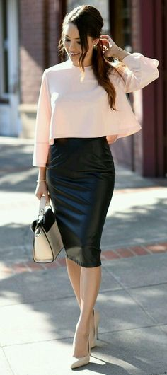 Pencil Skirt Outfits // Casual Skirt Outfits // How to wear skirt outfits // Fashion casual outfits // Trending women's Clothes // Office outfits ideas Office Outfits, Night Outfits, Mode Outfits, Classy Outfits, Fashion Outfits, Fashion Ideas, Winter Outfits, Summer Outfits, Fashion Clothes