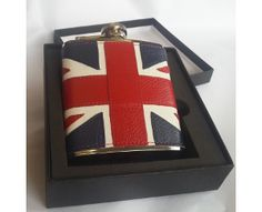 Union Jack Hip Flask A truly iconic design, the full colour 6oz Union Jack hip flask with capture top is a great gift for a lover of style.
