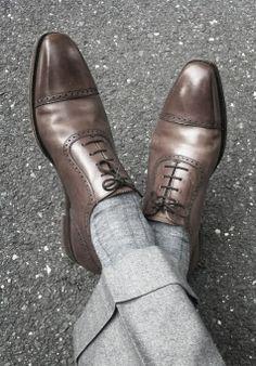 #man #shoe #gray #pants #socks