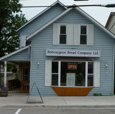 Bobcaygeon Bread Company Bread and buttertarts. and a whole lot Bread And Company, Butter Tarts, Places To Eat, Ontario, Canada, Tours, Lakes, Outdoor Decor, King