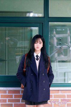 Kim so hyun Kim So Hyun Fashion, Korean Girl Fashion, Kim Yoo Jung Fashion, School Uniform Outfits, Kim So Eun, Korean Actresses, Korean Celebrities, Korean Outfits, Korean Beauty