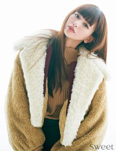 Chinese Style, Fashion Models, Turtle Neck, Portrait, Hair Styles, Face, Sweaters, Beauty, Beautiful
