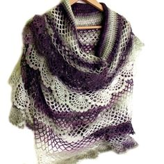 Crochet cape Crochet shawl Bridal cape Ruffled por allmadewithlove