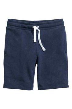 Shorts in organic cotton in sweatshirt fabric with elasticized drawstring waistband and side pockets. Formal Shirts, H&m Online, Black Kids, Boys T Shirts, Summer Wardrobe, Fashion Online, Kids Fashion, Shorts, My Style
