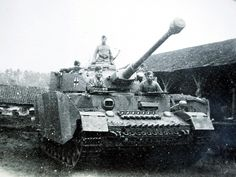 [linked image] Military Personnel, Military Vehicles, Tank Warfare, I Take A Nap, Panzer Iv, Military Pictures, Ww2 Tanks, Military Equipment, Armored Vehicles