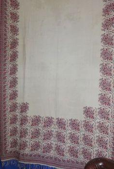 Hand-Woven-Scottish-Paisley-Shawl-of-Cream-Fine-Wool-Circa-1840