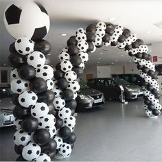 High /lot New style Football Balloons Soccer balloon White color balloon party decorations Celebration. High quality lot New style Football Balloons Soccer balloon White color balloon party decorations Celebration. Black Balloons, Helium Balloons, Balloon Arch, Balloon Garland, Latex Balloons, The Balloon, Balloon Topiary, Balloon Display, Soccer Decor