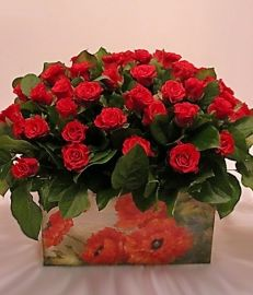"""Цветы в коробке с доставкой по Москве. Ателье цветов и декора """"Нескучный сад"""""""