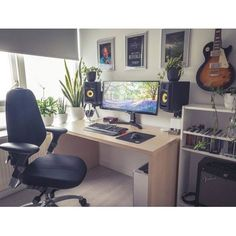 """1,293 Likes, 4 Comments - Mal - PC Builds and Setups (@pcgaminghub) on Instagram: """"An awesome bedroom setup! I love how clean it is and those KRK's look amazing as always. By:…"""""""