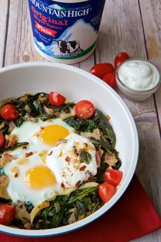 Bacon Garlic Spinach Baked Eggs with #MountainHighYoghurt Aoli #NomNomNom #recipe #yogurt ad