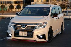 日産 エルグランド Nissan Elgrand, Sporty, Cars, Vehicles, Rolling Stock, Autos, Vehicle, Car, Automobile