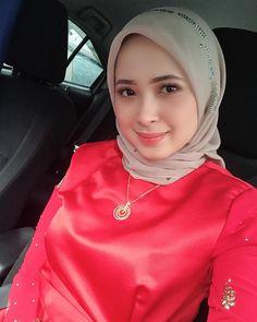 Hi sister Good morning honey - Her Crochet Arab Girls Hijab, Girl Hijab, Muslim Girls, Casual Hijab Outfit, Hijab Chic, Beautiful Iranian Women, Beautiful Hijab Girl, Muslim Beauty, Hijab Fashionista