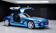 The three-pointed-star German automobile brand, Mercedes-Benz has now finally rolled out the 'world's most powerful series production electric car', dubbed as the SLS AMG Coupé Electric Drive. The very idea of an electric Mercedes-Benz SLS AMG whic
