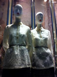 Valentino channels the Barong Tagalog of the Philippines Filipiniana Wedding, Filipiniana Dress, Barong Tagalog For Women, Filipino Wedding Traditions, Philippines Fashion, Philippines Travel, Filipino Fashion, Tribal Costume, Beautiful Gowns