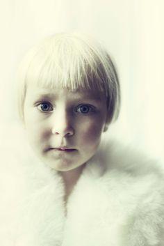portraits opalescents / 12 kid portraits shot for Playtime Paris 2014 #waddler fur gilet