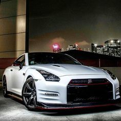 Oh my lanta! Nissan GTR