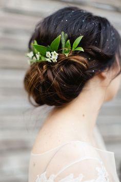 Green leaf vintage wedding roll #wedding #hair