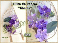 """A flor """"Cruz de Malta"""", do livro """"O Origami e o Tempo"""" - de Flaviane Koti e Vera Young - em versão de cinco pétalas e com as cores da transmutação. Origami, Hanukkah, Wreaths, Crafts, Art, Book, Weather, Flower, Colors"""