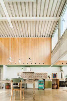Casa Migdia by SAU Taller de Arquitectura.